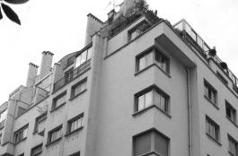 Adrienne Górska. Edificio de apartamentos, vista de la esquina. París, 1931.